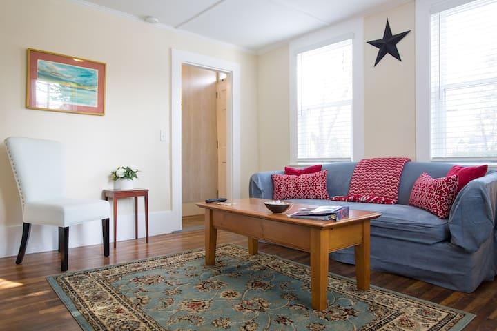 Spacious & Comfortable Apartment - Exeter - Rekkehus