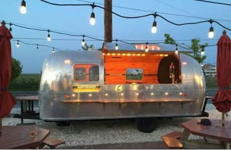 Vintage Airstream Bar - Bernards - Otros