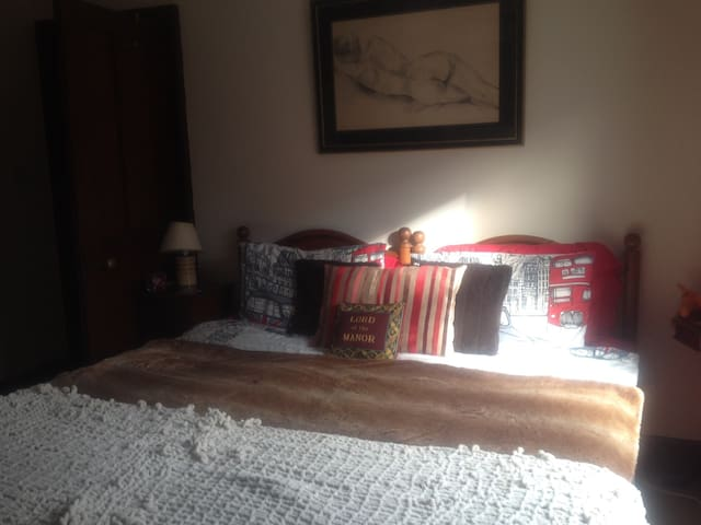 Spacious double room in central Horsham - Horsham - Huis