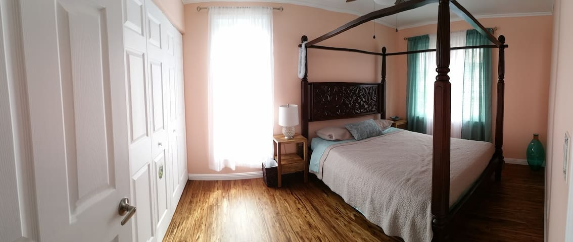 Comfortable and bright, newly renovated room. - Mililani - Rumah