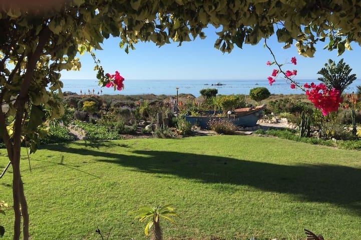 Villa on the Beach - Saint Helena Bay - Hus