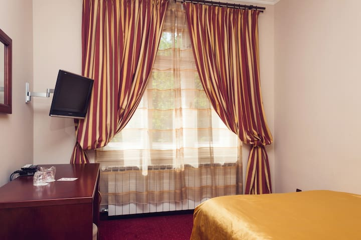 Domino Single Room - Zagreb - Bed & Breakfast