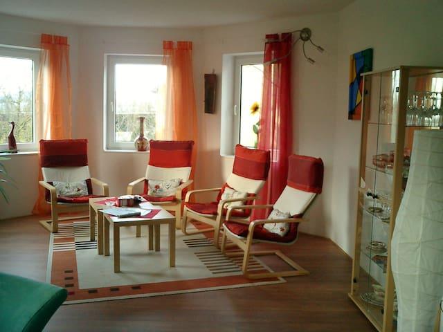 Schöne FeWo mit Flair  zum Wohlfühlen - Greußenheim - Lägenhet
