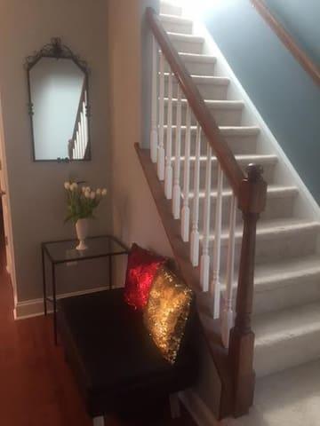 The Mini Palace, Brand New Home in a perfect spot - Cherry Hill - Dormitorio para invitados