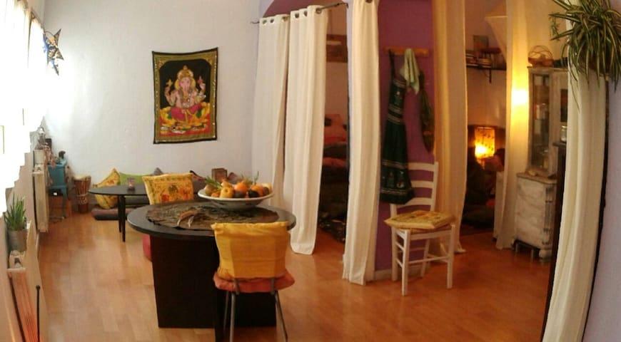 Rural retreat studio 2pax or big house.5min/train. - Borgonyà - Casa