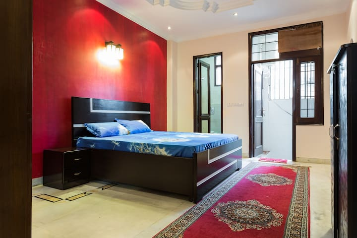 The Rouge Room: Bright,cosy & clean - New Delhi