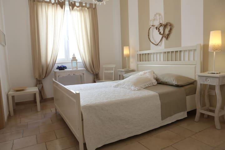 Room Vespro Salento Pescoluse - Salve - Bed & Breakfast