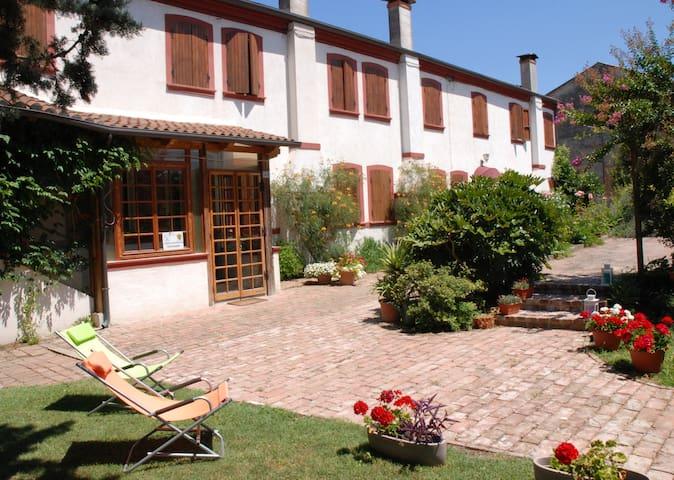 Agriturismo Corte Bussari, camera doppia - Provincia di Rovigo - Bed & Breakfast
