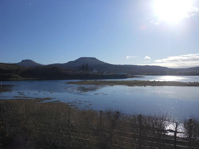Minnie's Rooms Family Loch View - Dunvegan - Bed & Breakfast