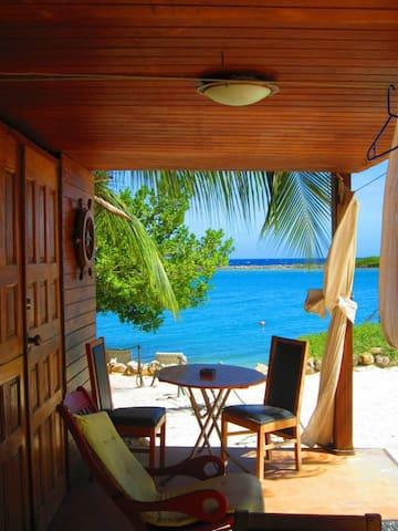 Cozy Ocean View Beach Cabin-5. - Savaneta - Blockhütte