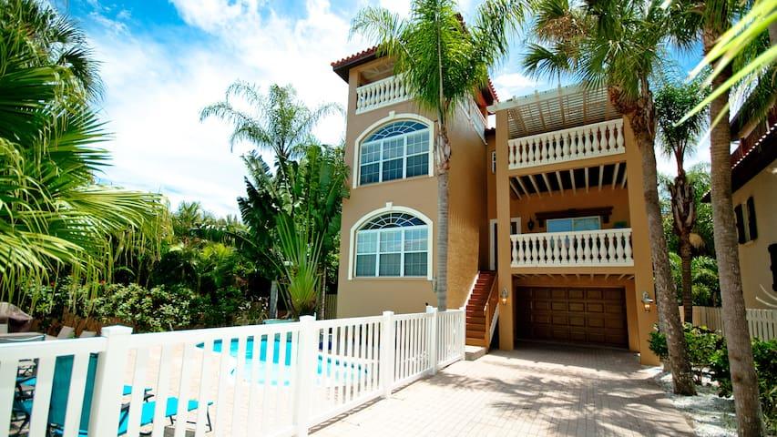 Beach House on 5th Avenue - Holmes Beach - Huis