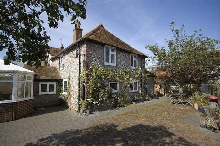 Family Cottage close to Brighton, Sussex - Upper Beeding - Casa