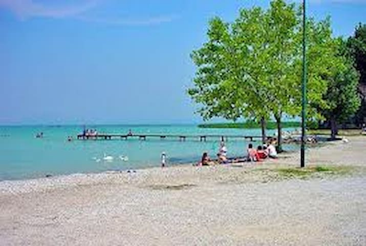 Stanza in residence con piscina - Sirmione - Byt