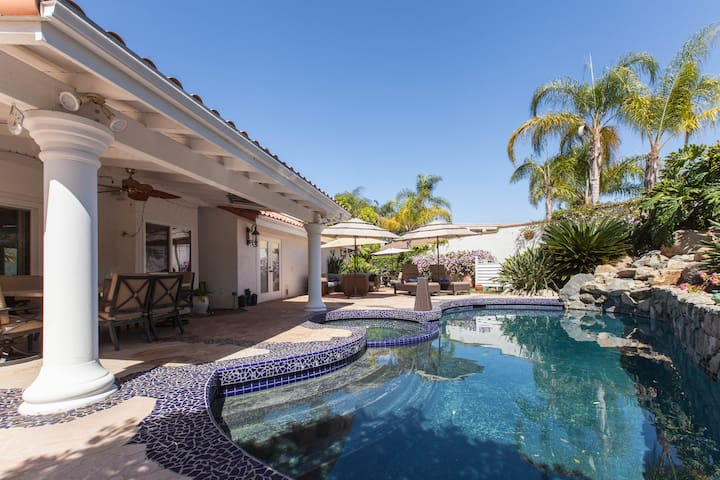 Bella Vita,  Majestic Gated Resort - Escondido - Villa