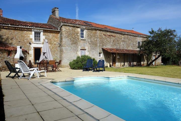 The French Forge - Holiday Home/Villa - Bazoges-en-Pareds, La  Vendée - Villa