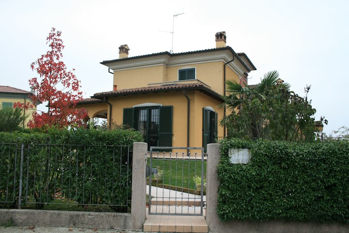 Indipendent apartment on northern Italy hills - Montebello - 公寓