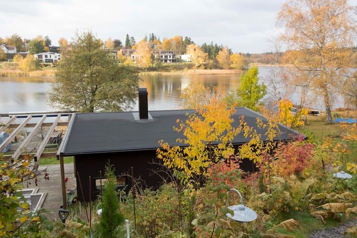 Unikt hus vid sjön Drevviken, vid vattnet 2 gäster - Haninge - Casa