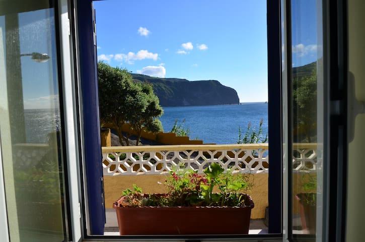Mosteiros Beach House - Ponta Delgada - Ev