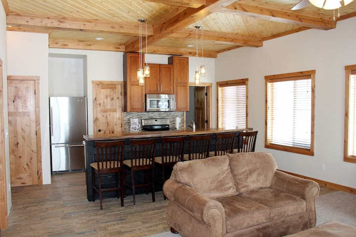 Birch Tree Inn, Ashton, Idaho-New! Opens Jan 2017. - Ashton - Servicelägenhet