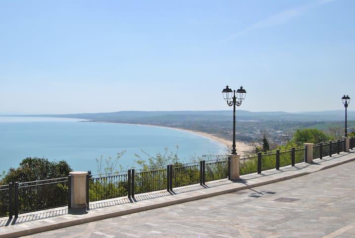 Charming apartment overlooking sea - Vasto - Daire