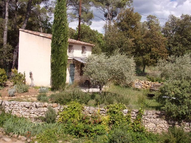 Cabanon provençal avec piscine - Jouques - Muu