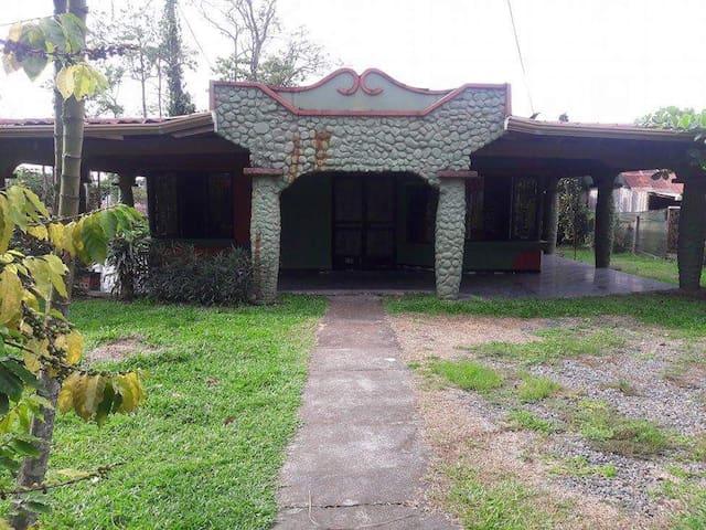 Casa acogedora - Guápiles - Rumah