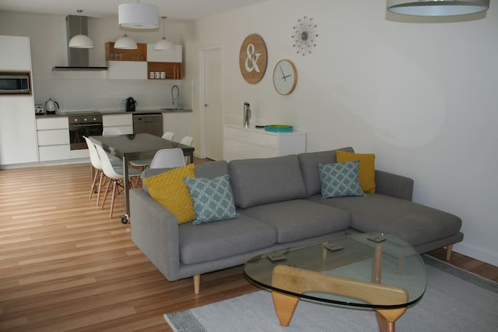 Apartment No 2 - Stylish 2 bedroom - Dynnyrne - Wohnung