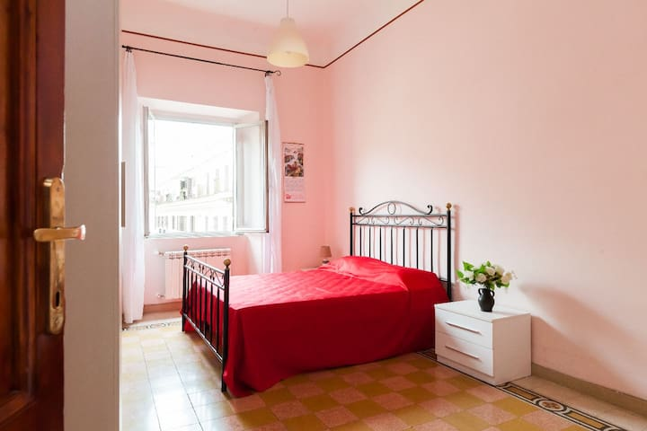 Room with bath - Termini - WiFi - Rome - Appartement en résidence