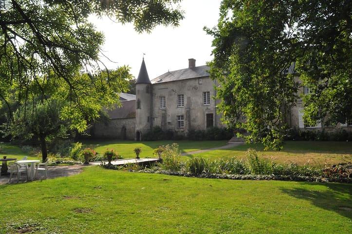 Manoir de La Semoigne - Villers-Agron-Aiguizy - Bed & Breakfast