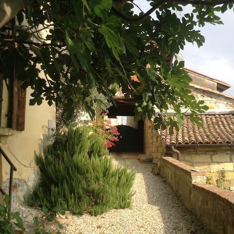 Light blue Country House in Monferrato - Piedmont - Ottiglio