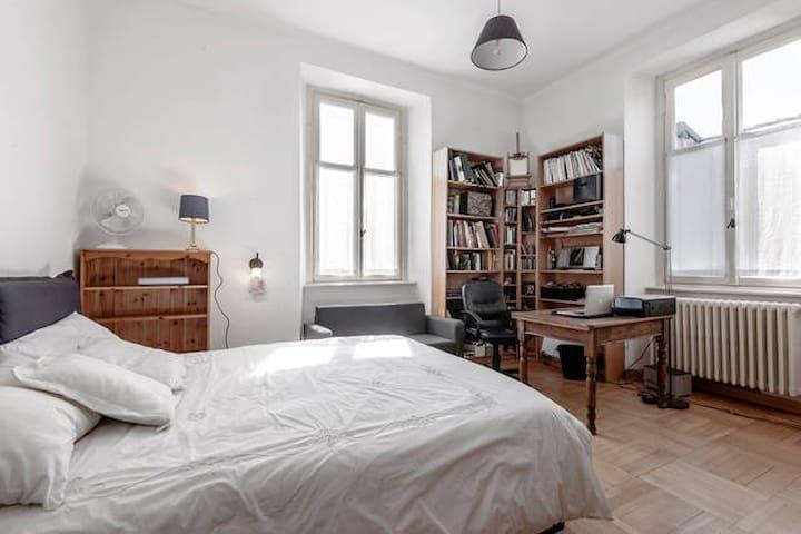 Double bedroom, in Como town - Como - Hus
