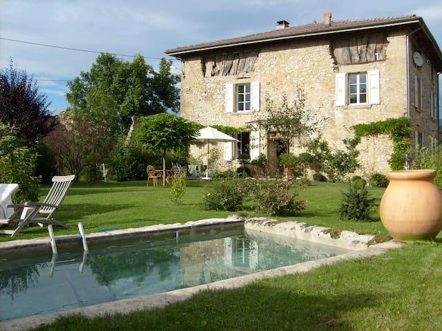 Superbe maison de campagne rénovée - Saint-Jean-en-Royans - Huis