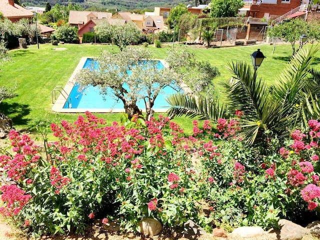 Apart. con jardín y piscina privada - La Garriga - Daire