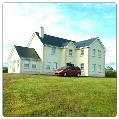 Beautiful Country House - Moyne - Huis