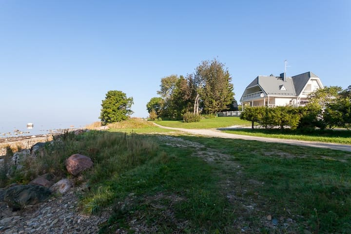 Beachhouse with Stunning Sea Views. - Tallinn