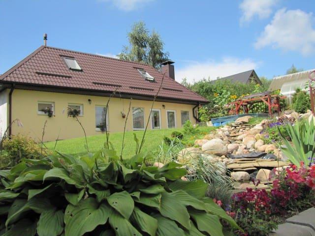 Гостевой домик с баней и барбекю - Lahojsk - Huis