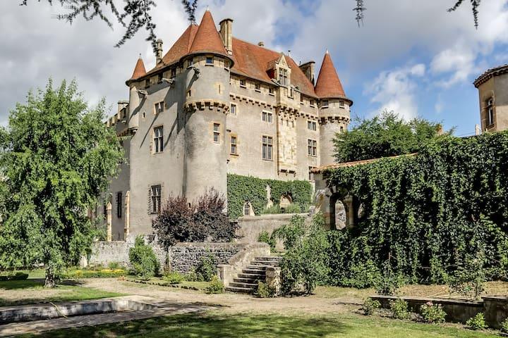 Château de Saint-Amant - Saint-Amant-Tallende - 성