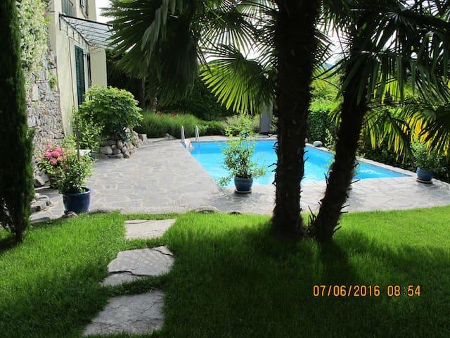 Guest Studio with Swimmingpool - Brezzo di Bedero - Hus