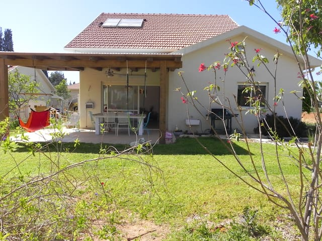 A beautifull new house in a kibbutz - HaMa'apil - Huis