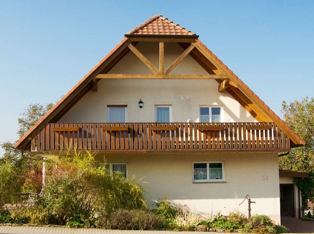 comfortable 2-bed room with sauna - Schefflenz - Huis