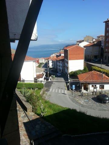 Casa con bonitas vistas en el pueblo de Lastres - Lastres - Casa