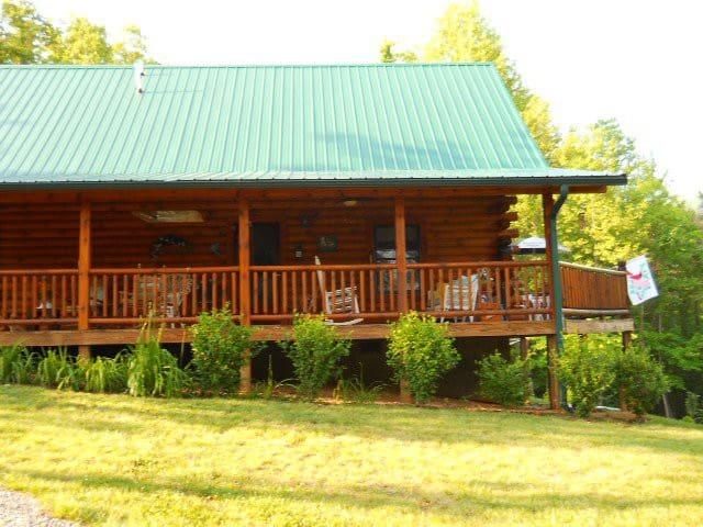Mountain log cabin - Elizabethton - Cabaña