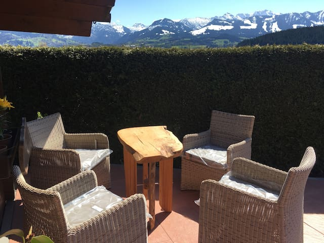 Awesome View and fresh eggs - Ofterschwang - Hus