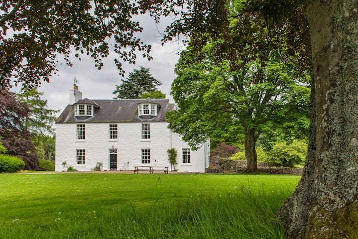 Beautiful and Large Country House - Blairgowrie