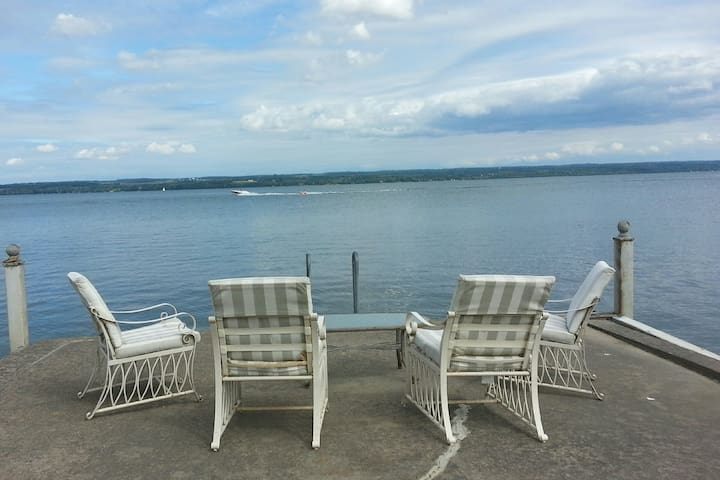 Charming Cottage on Cayuga Lake with Guest House - Romulus