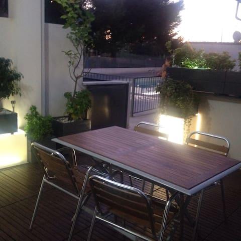 Apartamento planta baja con jardin,terraza parking - Sagunto - Hus