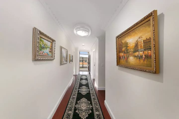 A Beautiful Charming New House near the Airport - Wooloowin - Bed & Breakfast