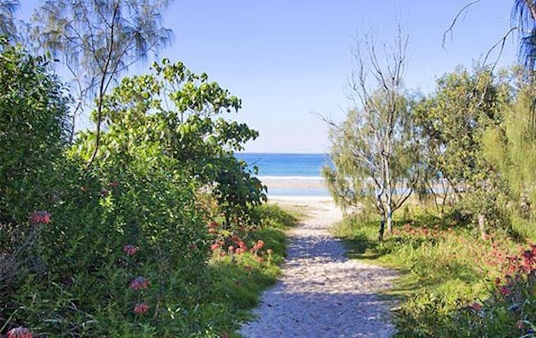 "Relaxed Beach Pad ""Drift 1"" - Kingscliff"
