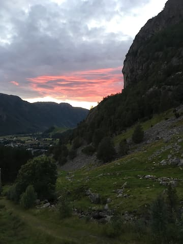 Good apartment for hiking in the surrounding area - Gjesdal - Apartmen