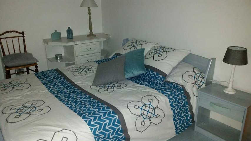 Chambre 2 pers+ SE+WC privatifs - Laval - Hus